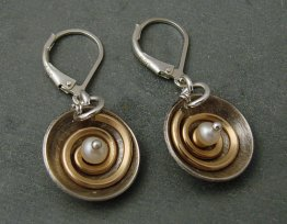 Pearl Sterling Cup 14kt Goldfilled Spiral Earring